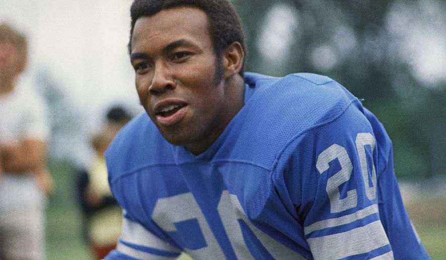 Lem Barney, cornerback for the Detroit Lions, is shown in 1971. (AP Photo)