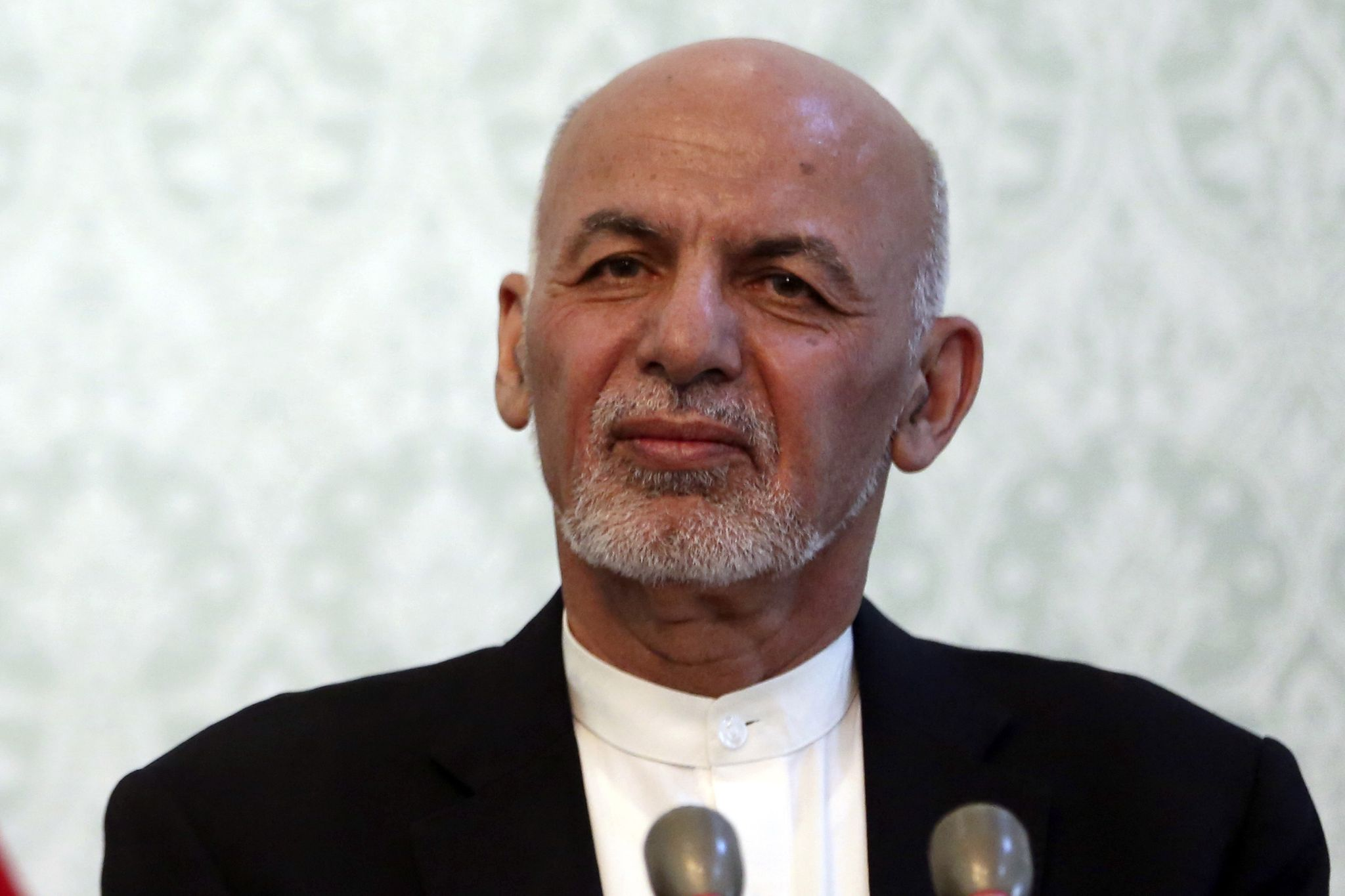 U.S., Afghanistan in 'total agreement' on pursuing Taliban peace talks