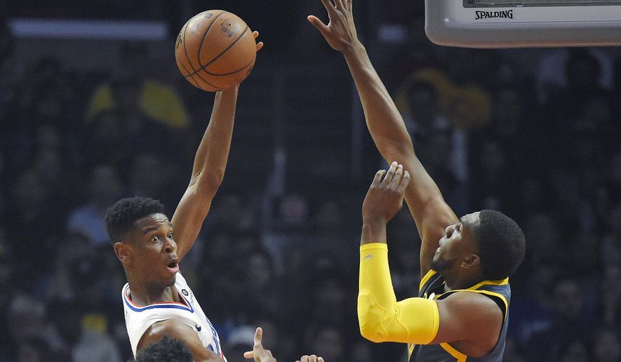 b5d28aec38f5 Sports · Golden State Warriors · Los Angeles Clippers · Los Angeles  Clippers guard Shai Gilgeous-Alexander