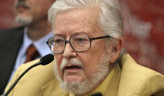 FILE - In this Sept. 3, 2007 file photo, Mexican writer Fernando del Paso speaks during a news conference, in Guadalajara, Mexico. The Mexican novelist, essayist and poet died Wednesday, Nov. 14, 2018, at the age of 83.  (AP Photo/Javier Hoyos, File)