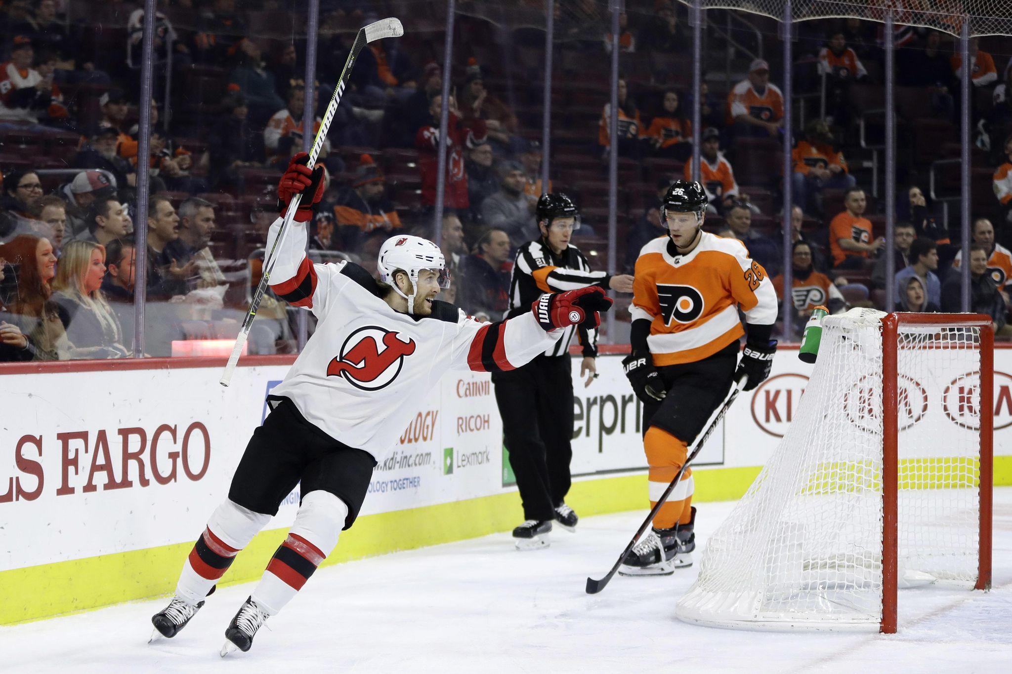 Devils_flyers_hockey_62367_s2048x1365