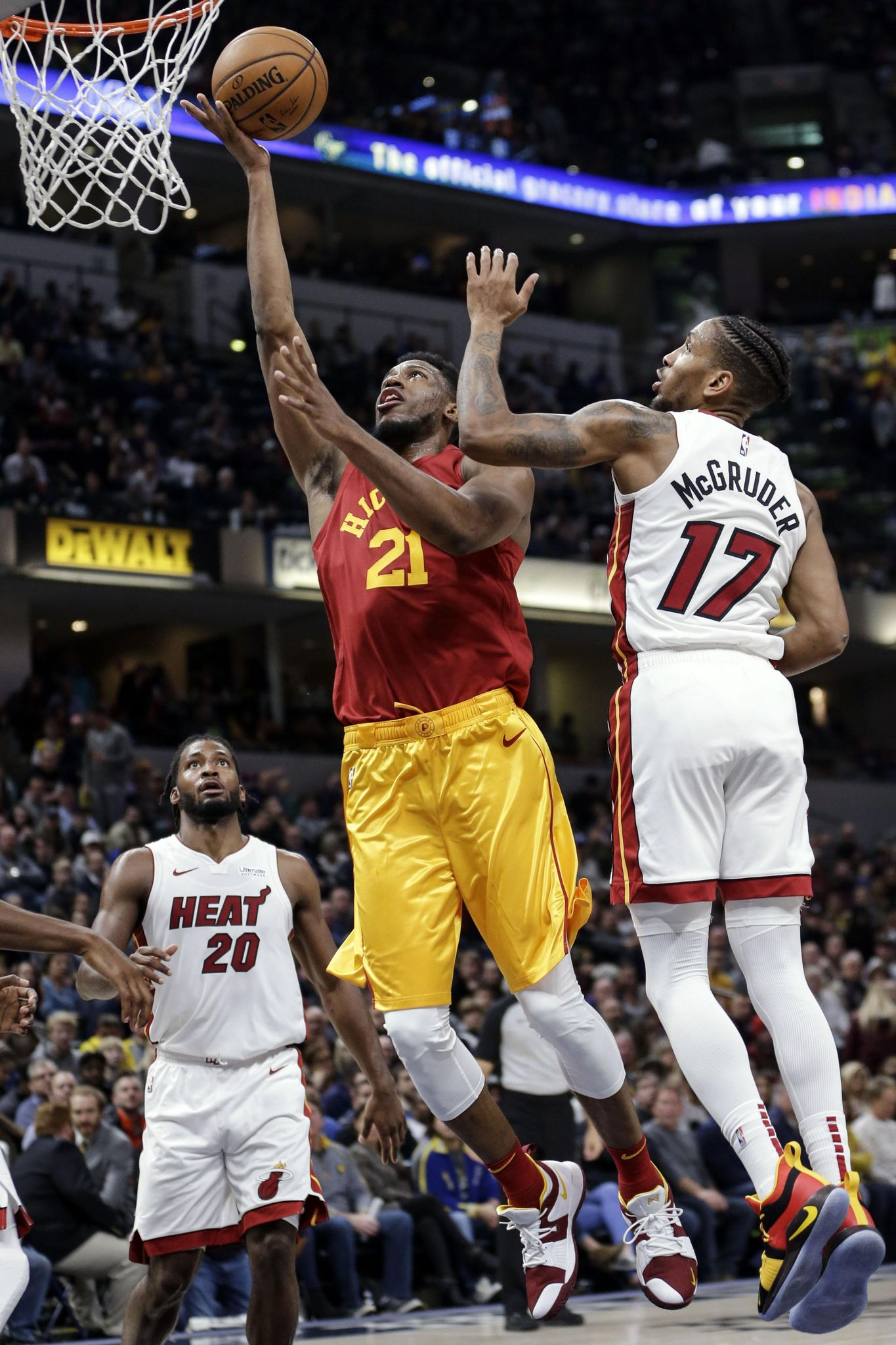Heat_pacers_basketball_24095_s1365x2048