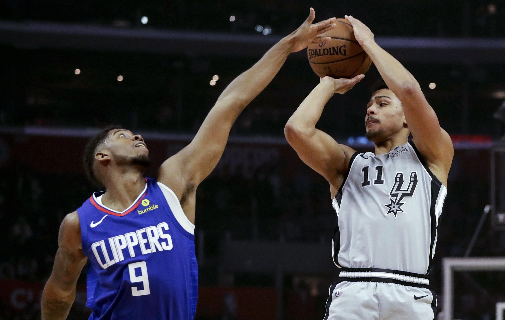 Spurs_clippers_basketball_91013_s2048x1299