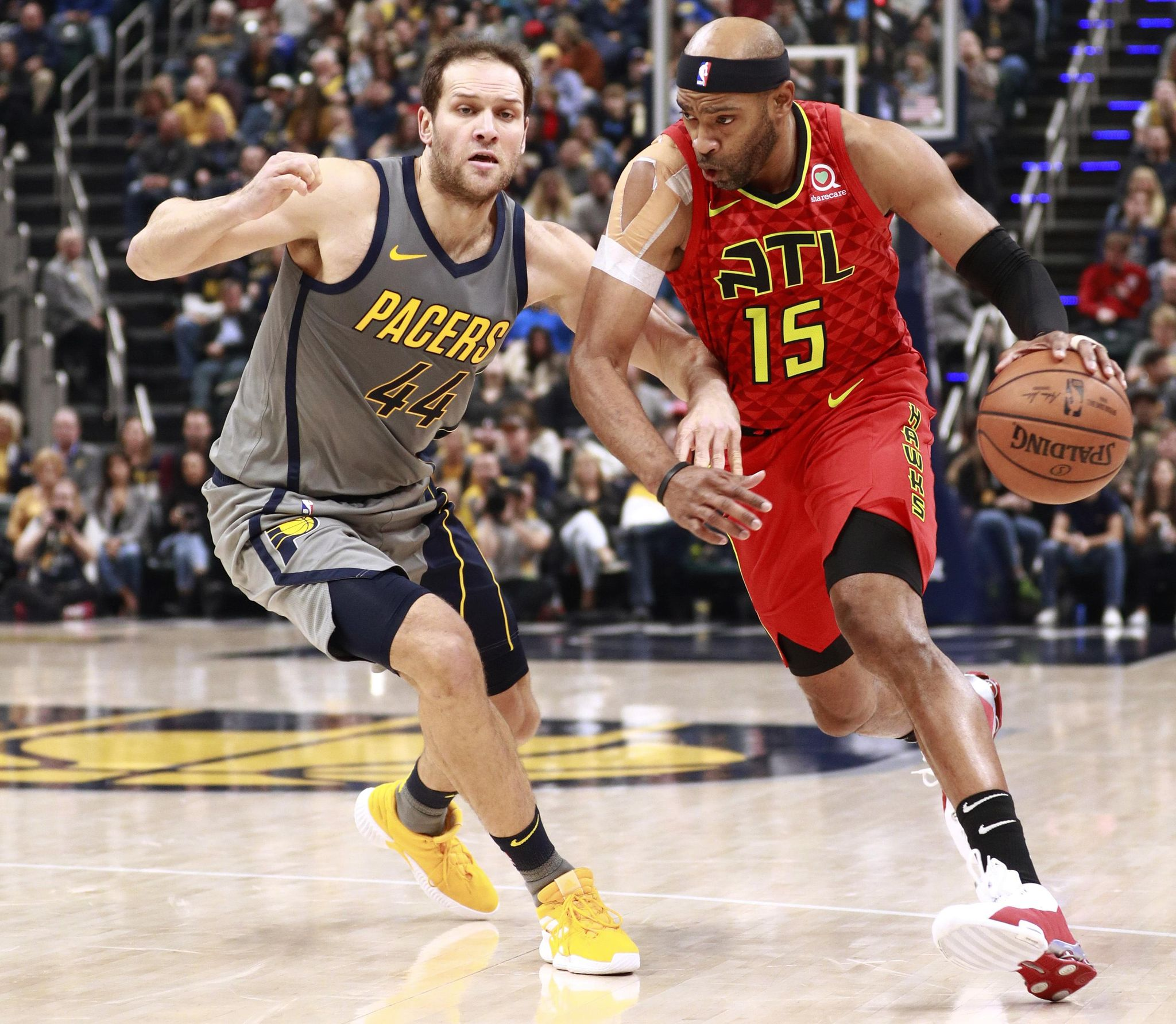 Hawks_pacers_basketball_39560_s2048x1784