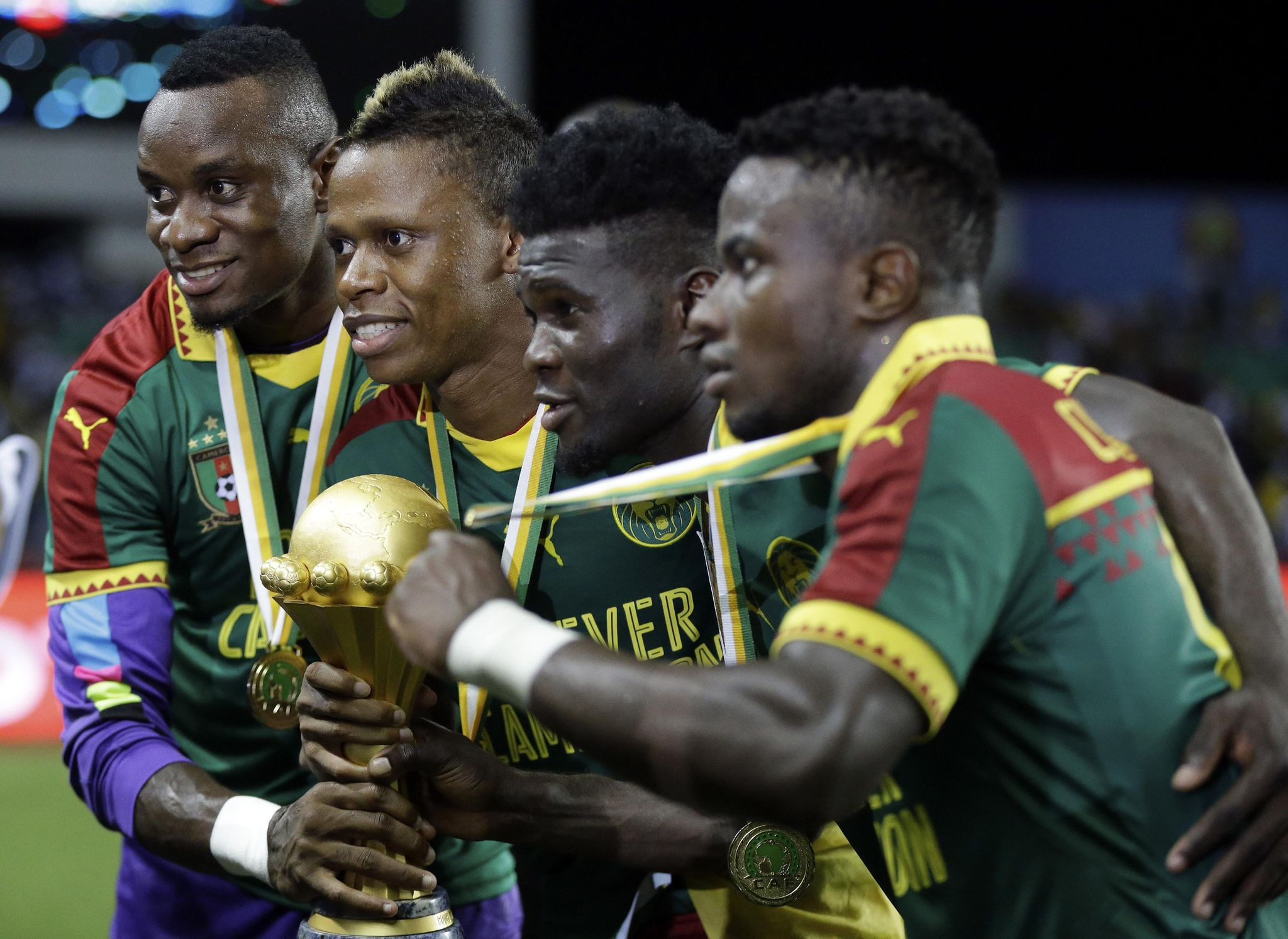 African_cup-cameroon_stripped_soccer_74287_s2048x1494