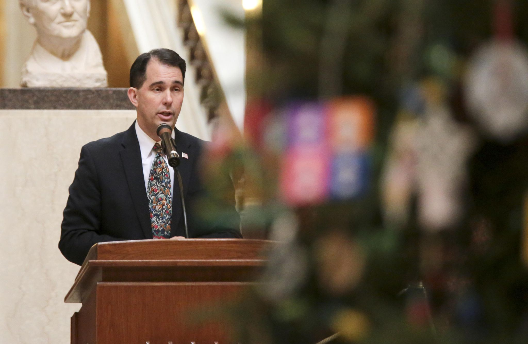Scott Walker says Wisconsin governor's powers will remain strong