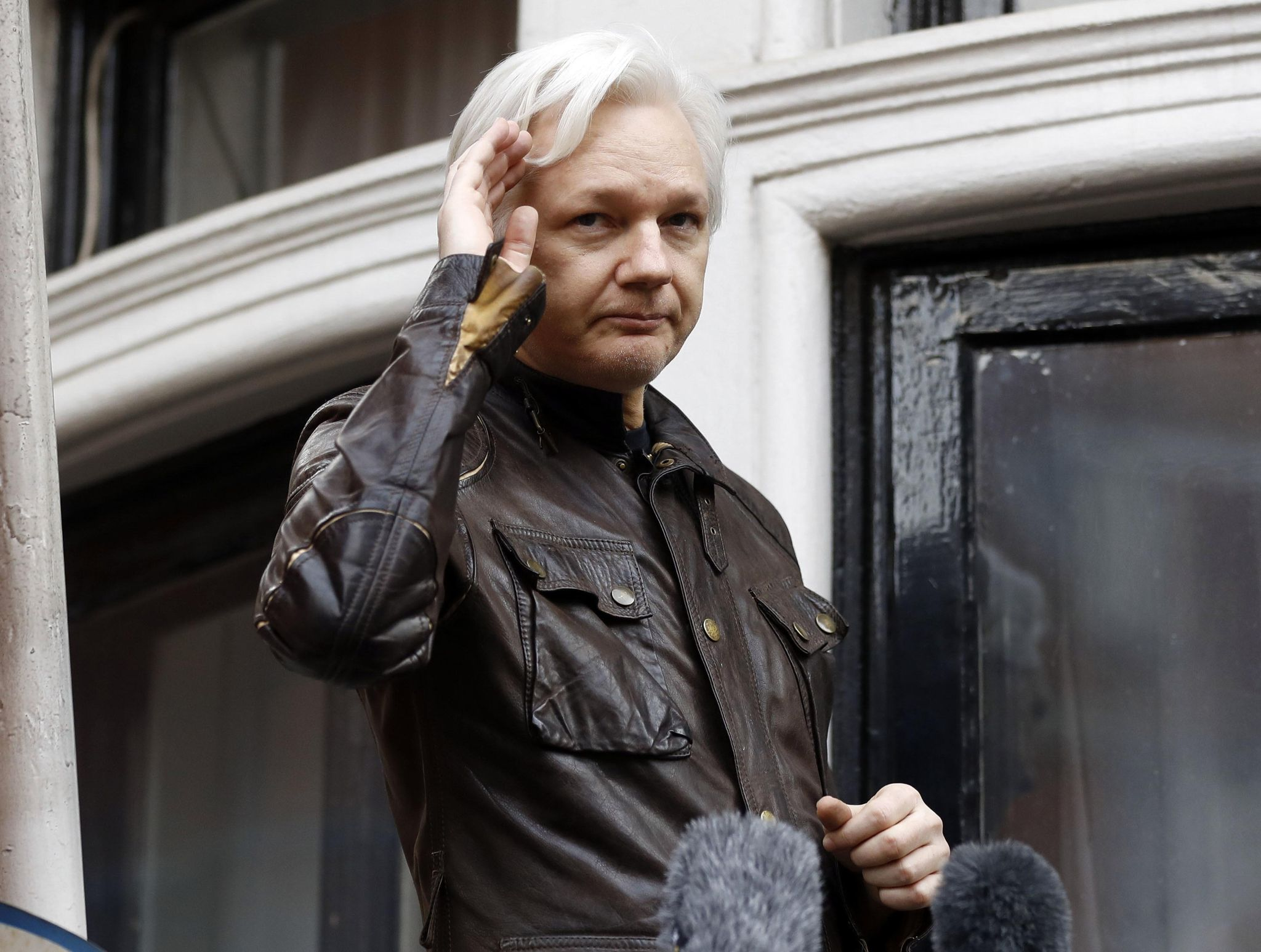 Democrats write Pompeo seeking 'imperative' end to Julian Assange impasse