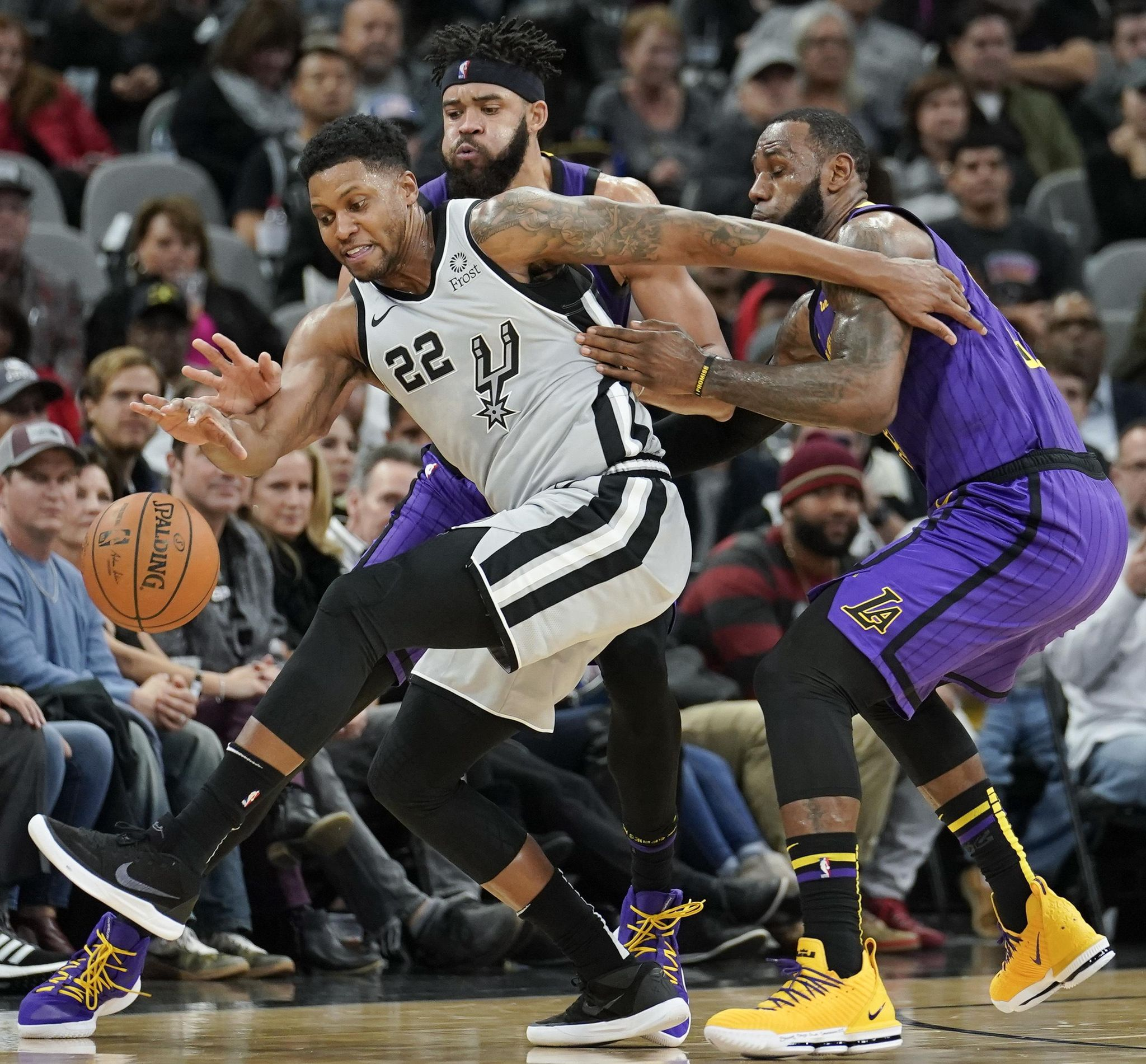 Aptopix_lakers_spurs_basketball_68088_s2048x1901
