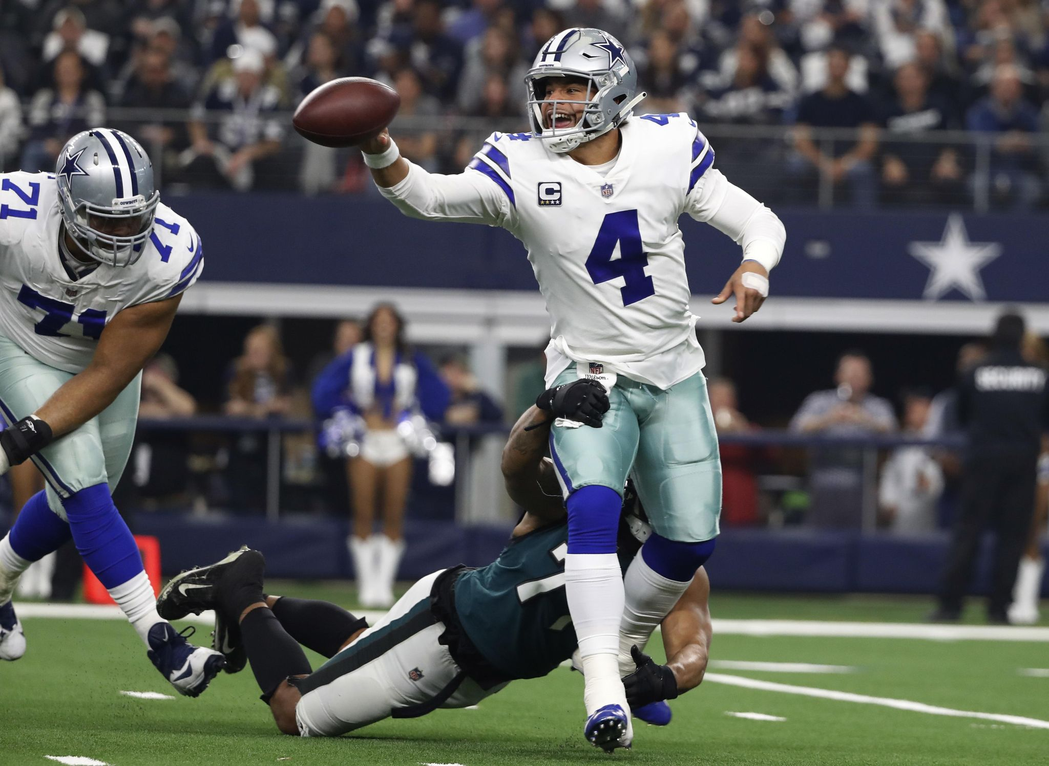 Eagles_cowboys_football_83139_s2048x1497