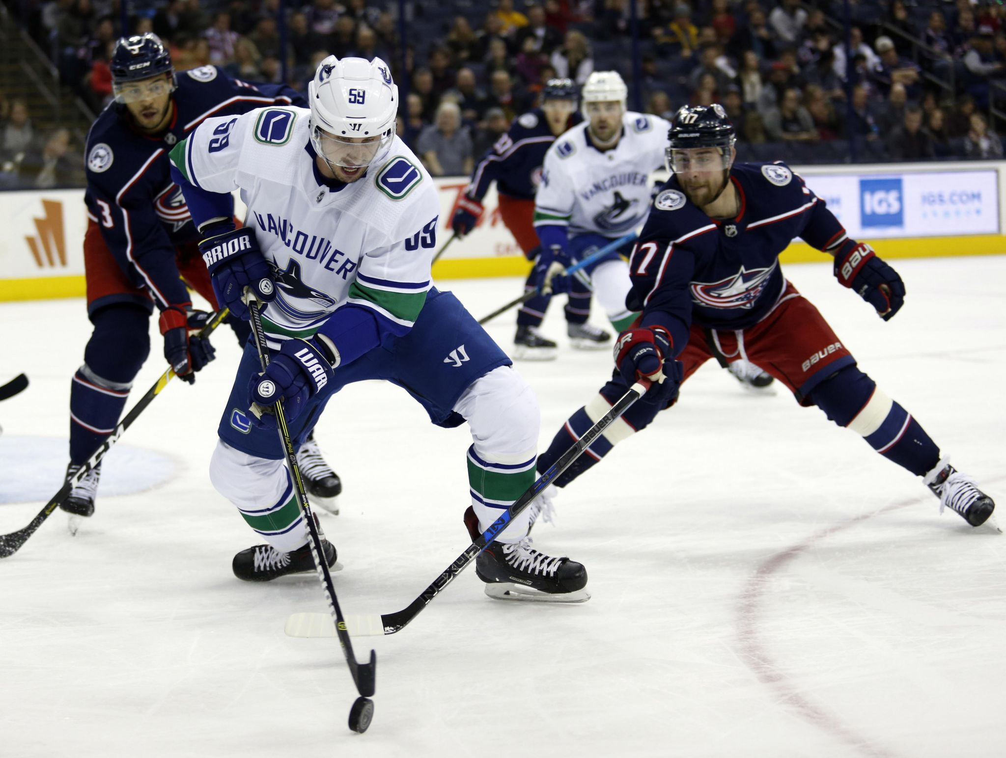 Canucks_blue_jackets_hockey_72906_s2048x1544