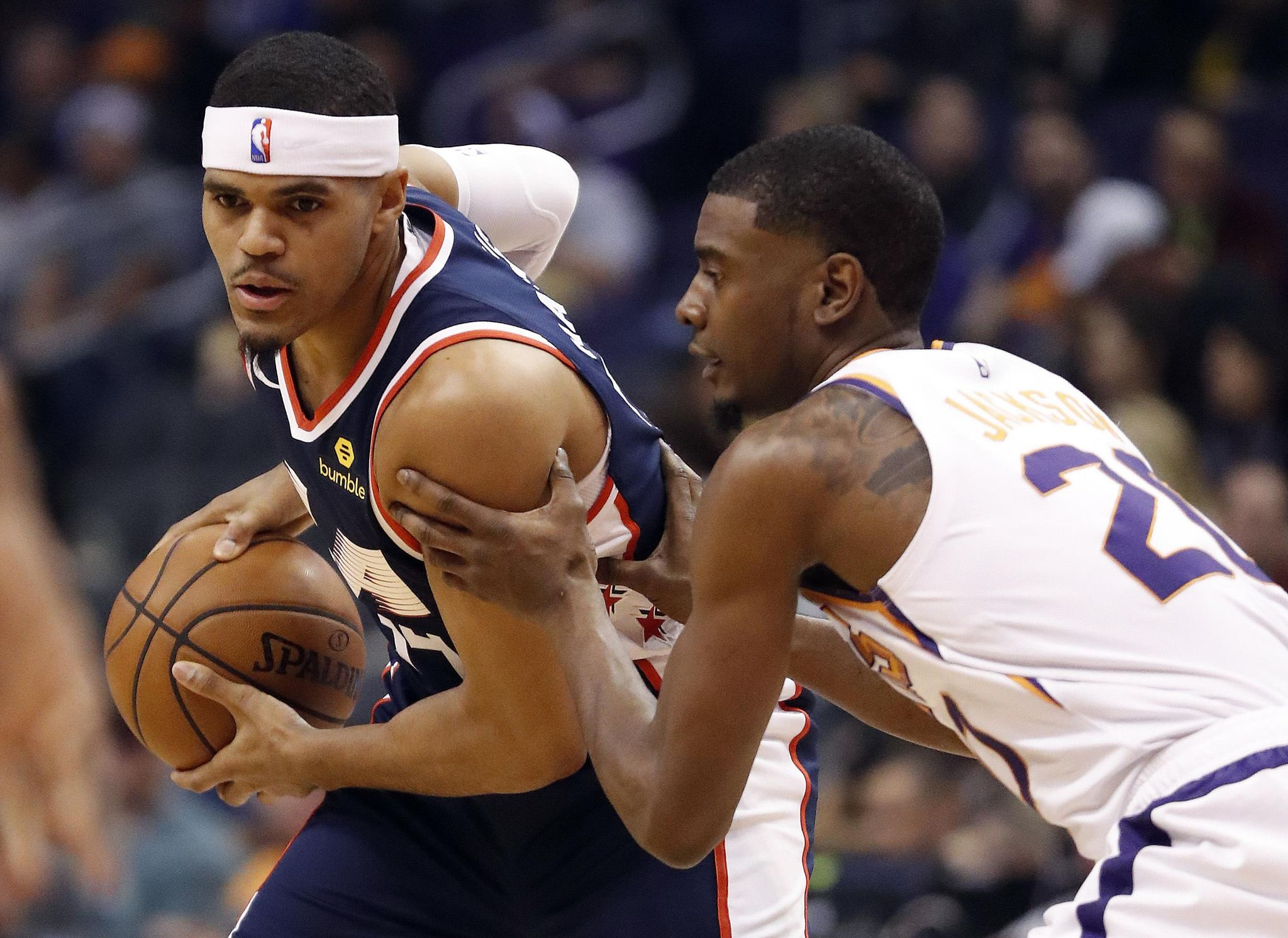 Clippers_suns_basketball_32625_s2048x1491
