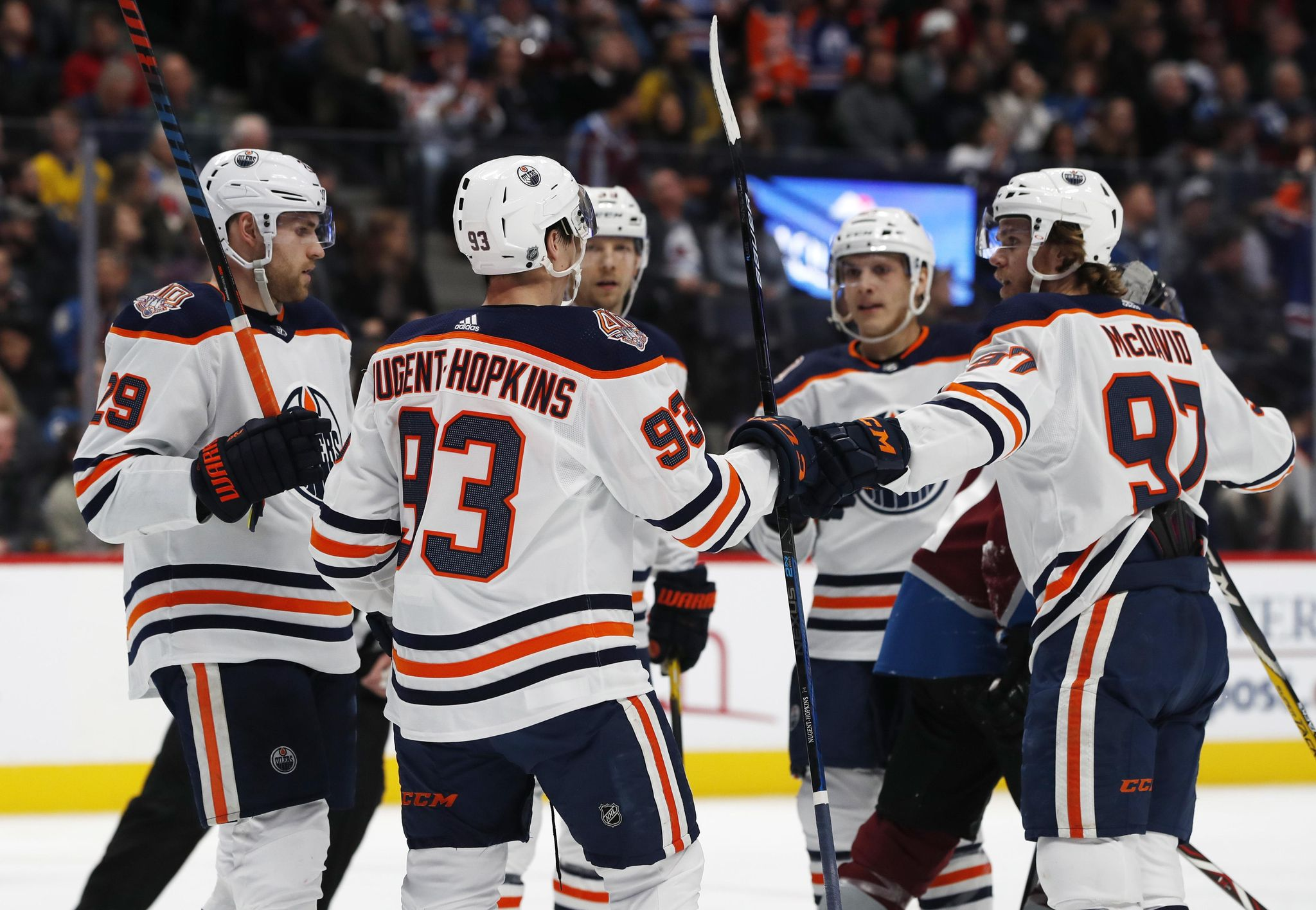 Oilers_avalanche_hockey_54575_s2048x1416