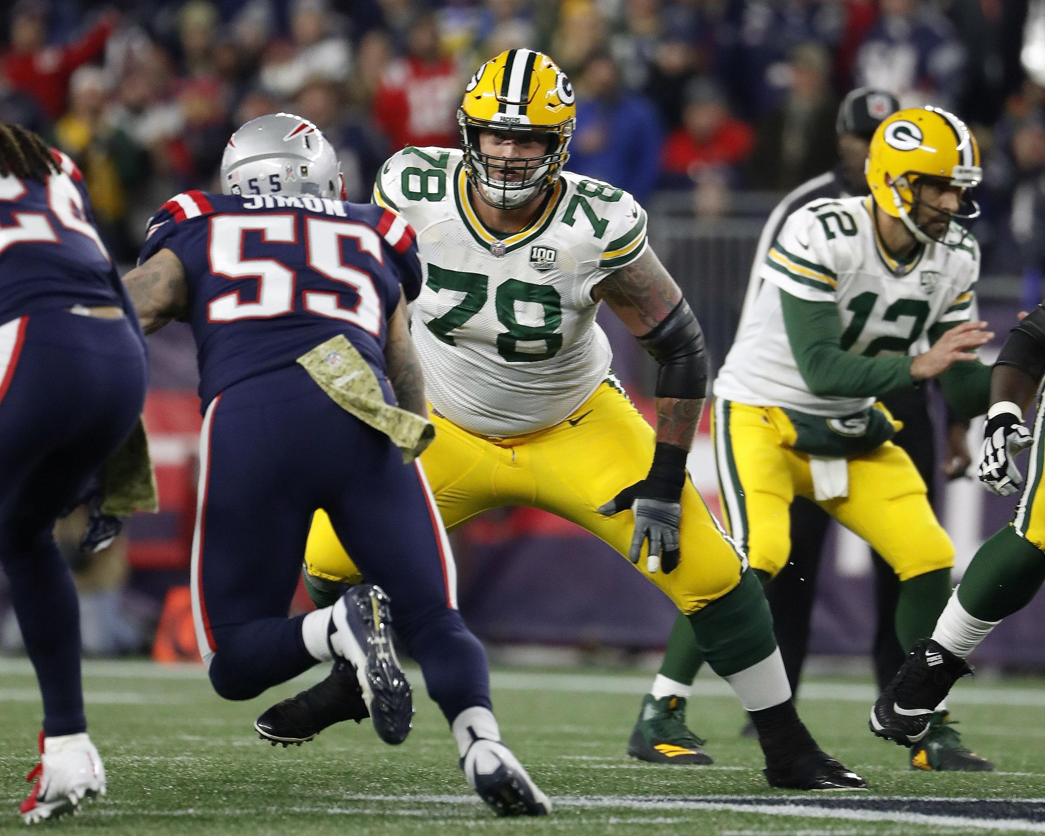 Packers-protecting_rodgers_football_63960_s2048x1639