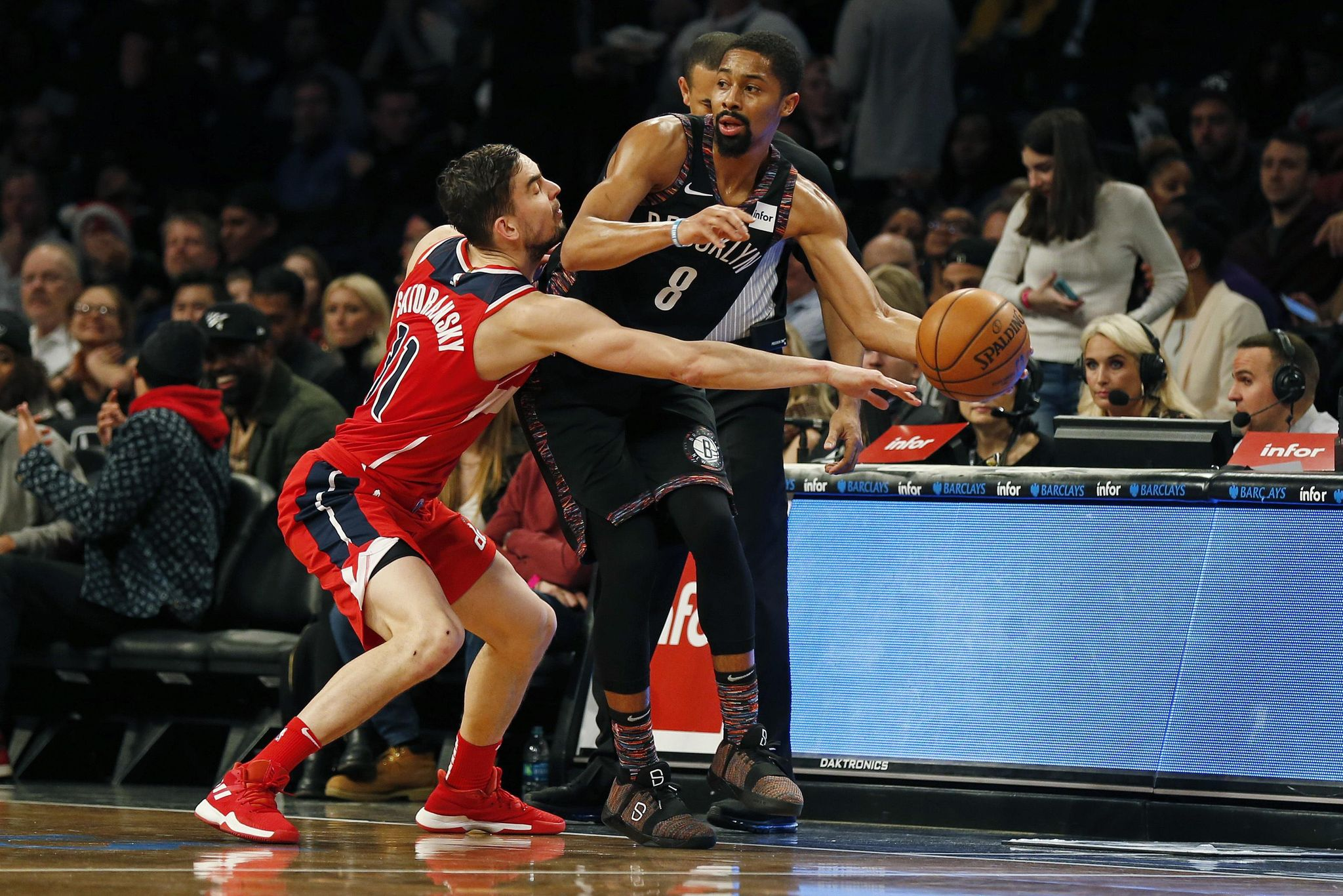 Wizards_nets_basketball_89005_s2048x1366