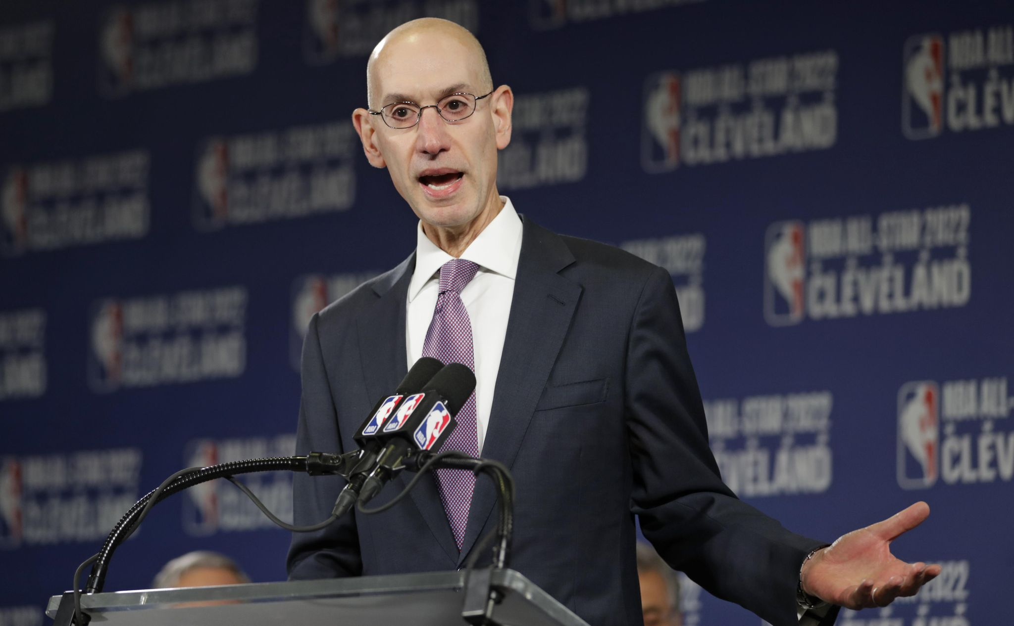 NFL owners approached NBA Commissioner Silver to switch to football: Report