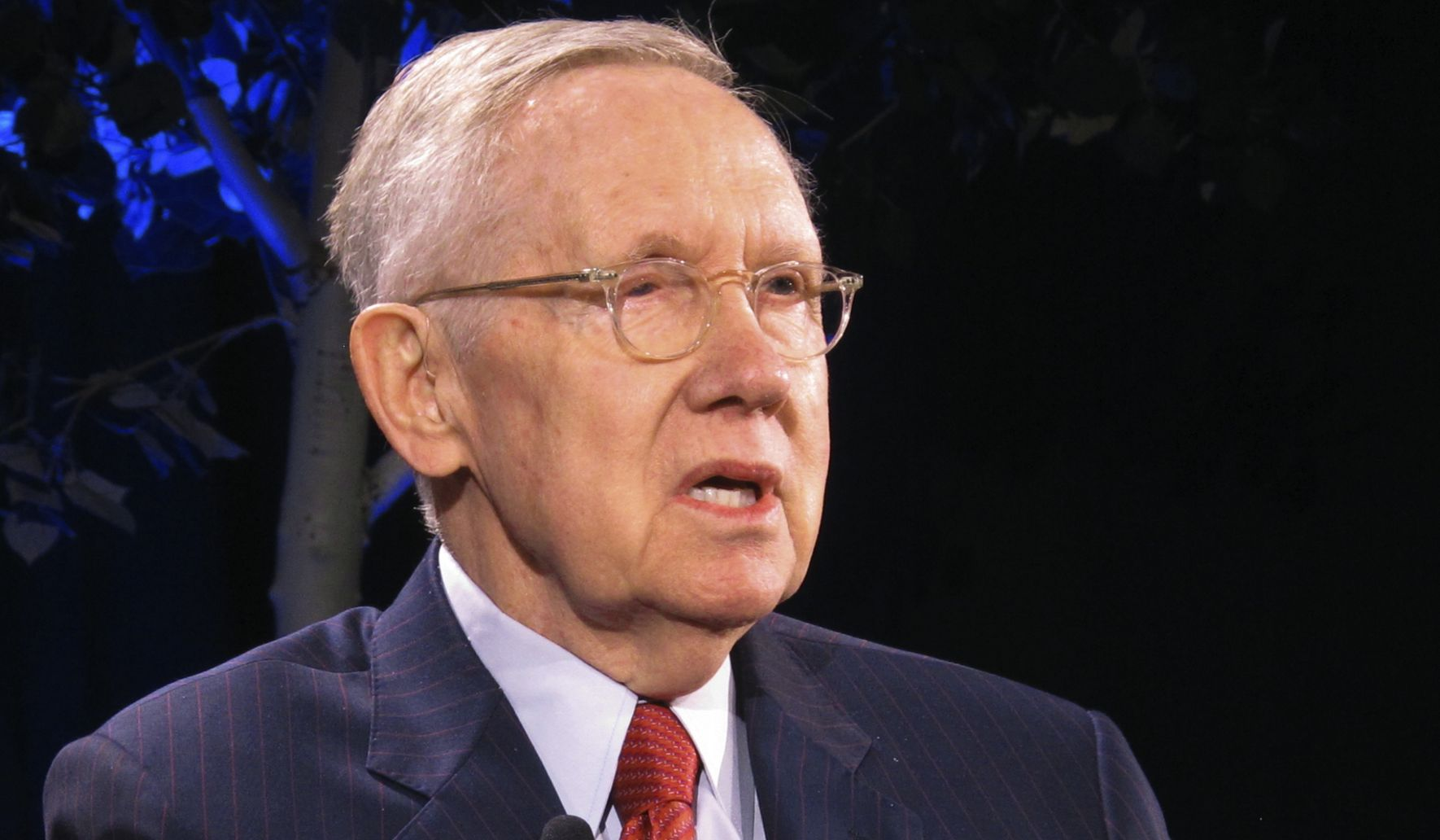 Harry Reid warns 2020 Democratic hopefuls to not underestimate 'very, very smart' Trump