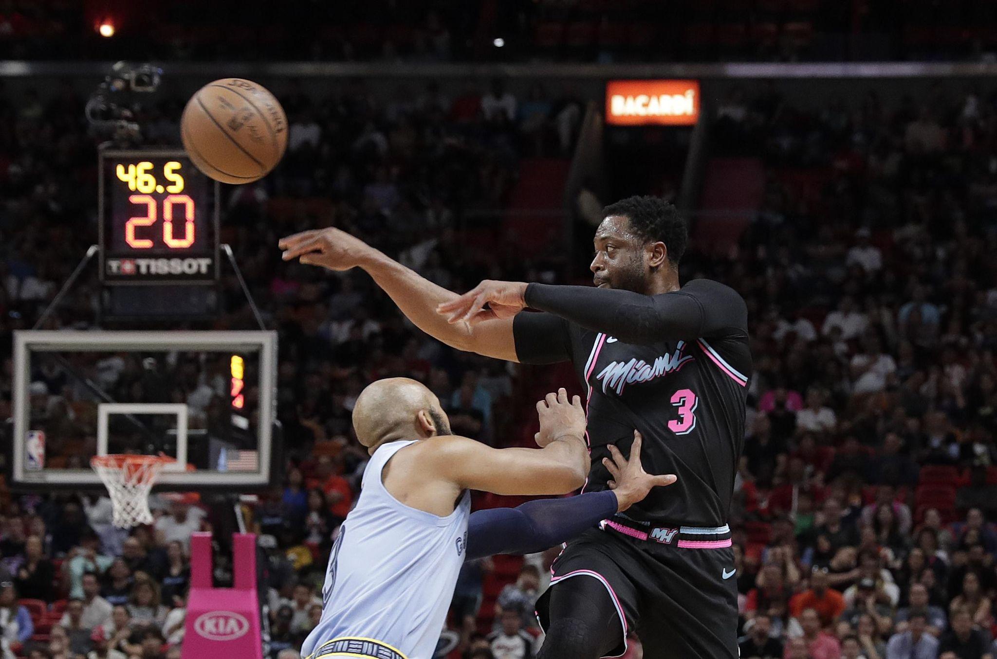 Grizzlies_heat_basketball_48395_s2048x1355
