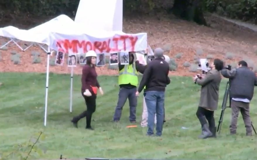 """Conservative provocateur Laura Loomer's latest stunt included bringing a trio of self-described illegal immigrants to set up a """"sanctuary"""" on House Speaker Nancy's Pelosi's lawn in California. (Periscope/@Unite America First)"""