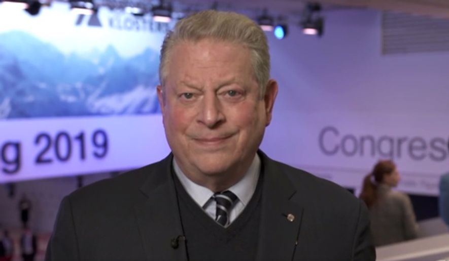 Former Vice President Al Gore discusses climate change on CNN, Jan. 23, 2019. (Image: CNN screenshot)