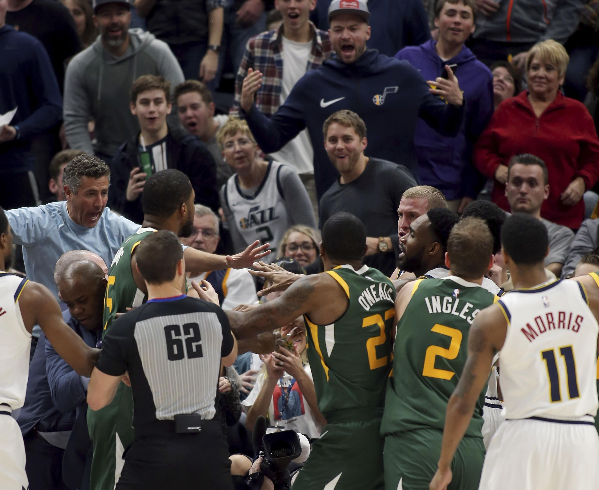 Nuggets_jazz_basketball_34277_s2048x1674
