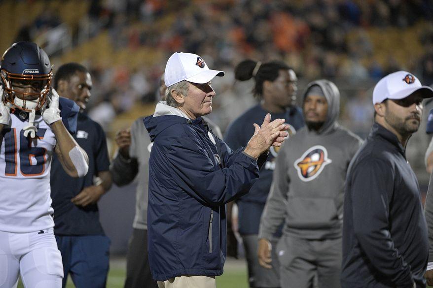 Orlando Apollos head coach Steve Spurrier, center, directs warmups before an AAF football game against the Atlanta Legends Saturday, Feb. 9, 2019, in Orlando, Fla. (AP Photo/Phelan M. Ebenhack) ** FILE **