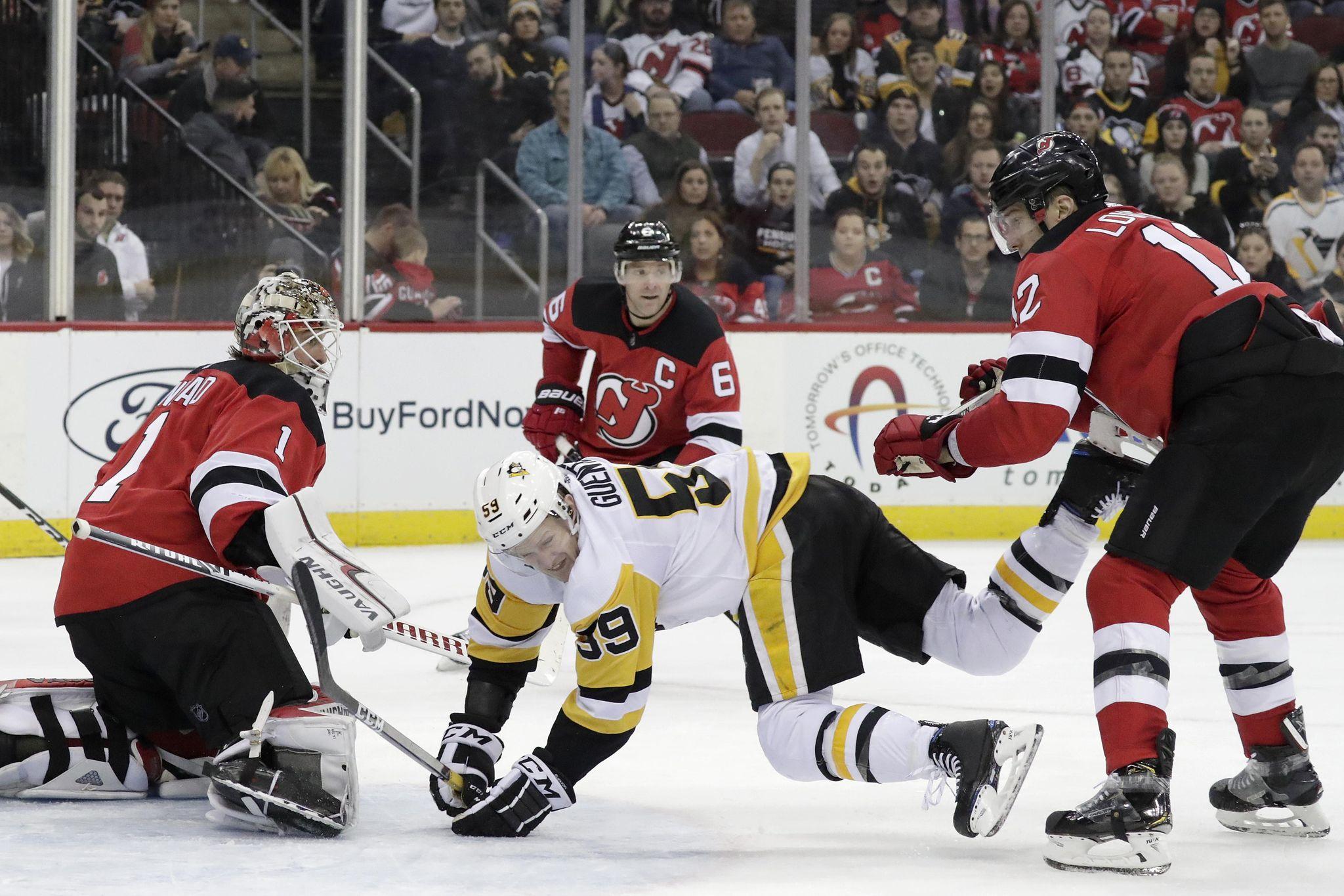 Penguins_devils_hockey_52528_s2048x1365
