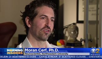 """Neuroscientist Moran Cerf, Ph.D., discusses """"smart chip"""" brain implants with a CBS affiliate in Chicago, March 4, 2019. (Image: CBS News Chicago video screenshot)"""