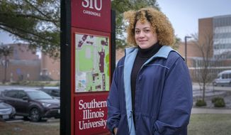 Asia Taylor, a sophomore at Southern Illinois University in Carbondale, credits the Saluki Success Program with helping her overcome a concussion that nearly caused her to drop out of school.  Southern Illinois University in Carbondale is starting to make strides with a program that offers freshmen a special orientation aimed at getting them acquainted with college life.  (Byron Hetzler/The Southern Illinoisan via AP)