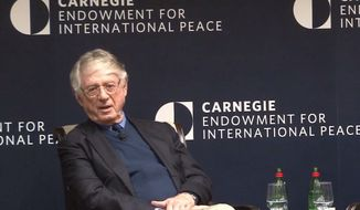 Ted Koppel discusses modern journalism at Carnegie Endowment for International Peace, March 7, 2019. (Image: YouTube, Pulitzer Center video screenshot)