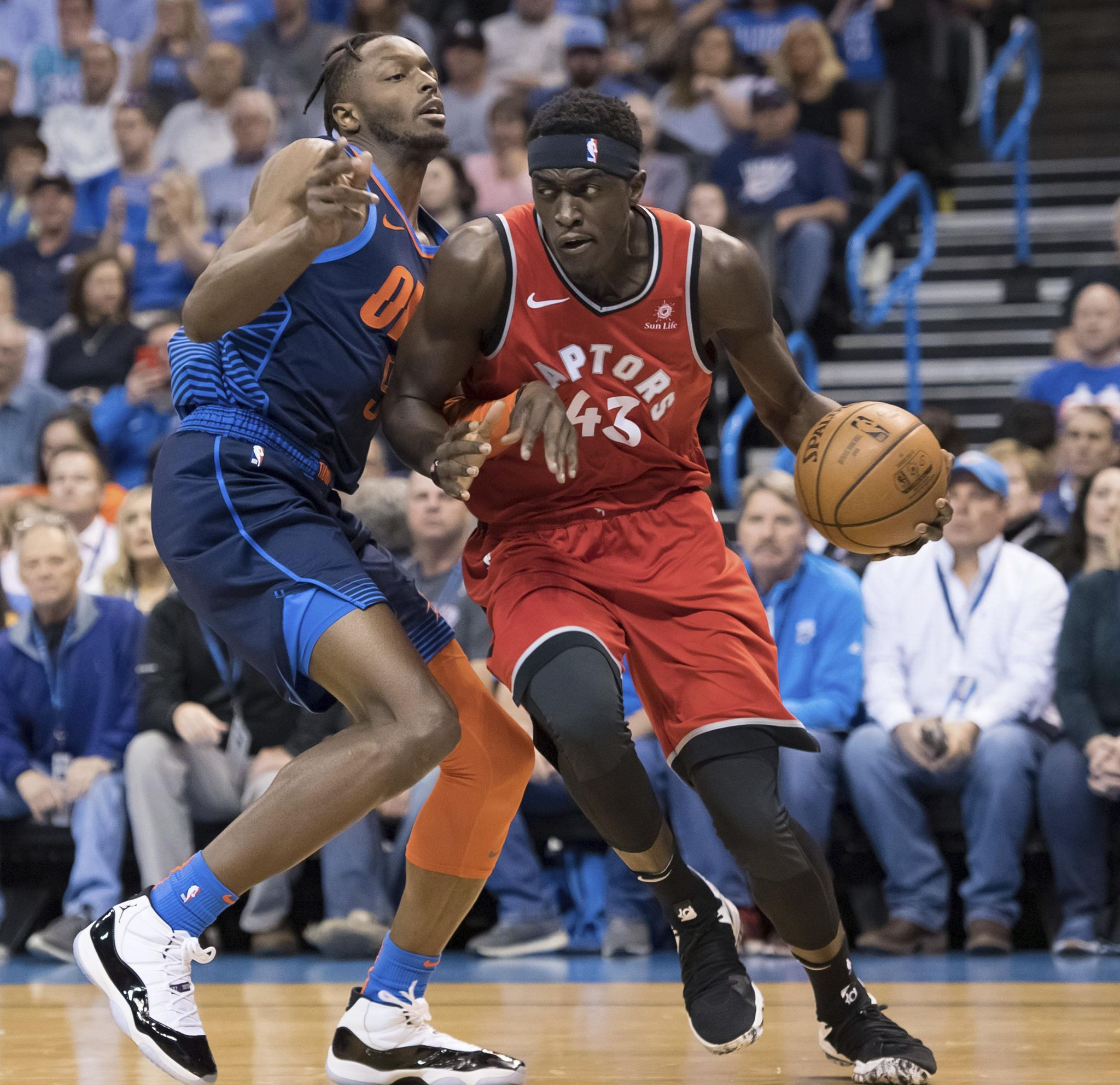 Raptors_thunder_basketball_73397_s2048x1985