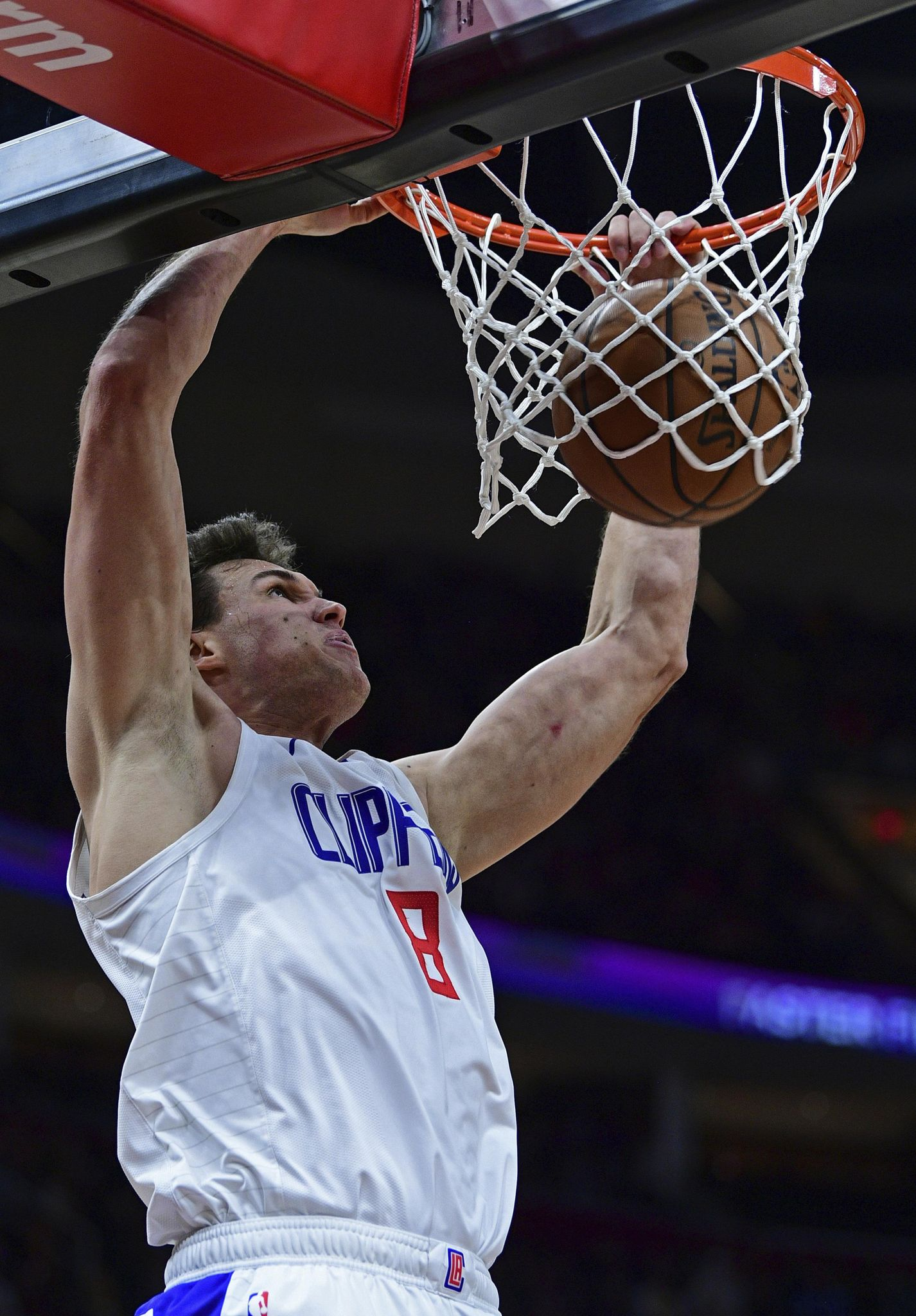 Clippers_cavaliers_basketball_87989_s1426x2048