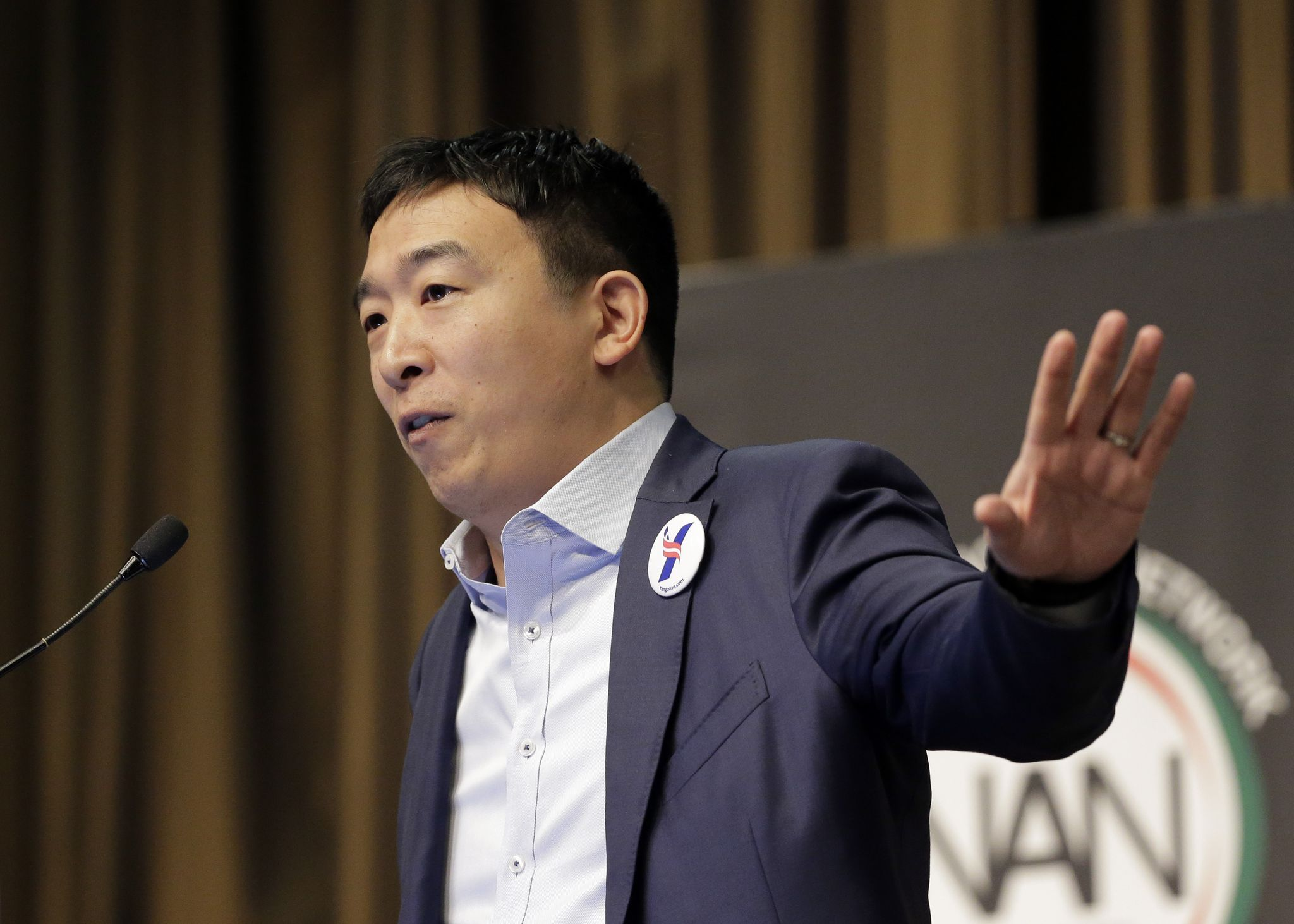 photo image Andrew Yang, 2020 Democrat, proposes $1,000/month 'freedom dividend' for every American over 18