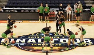 Oregon players work on a drill during a practice session for the women's Final Four NCAA college basketball semifinal game against Baylor Thursday, April 4, 2019, in Tampa, Fla. (AP Photo/Chris O'Meara)