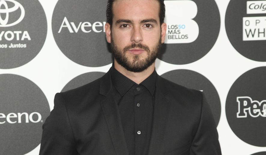 """FILE - In this May 12, 2015 file photo, Pablo Lyle attends People en Espanol's """"50 Most Beautiful Awards"""" at IAC, in New York. A Florida judge has rescinded an order allowing the Mexican soap opera star to travel outside the U.S., saying he's likely to face a more serious charge from a fatal traffic confrontation than the third-degree battery charge filed recently. The judge set a hearing Monday, April 8, 2019, to discuss the bond and travel order for Lyle, a star of the TV soap opera """"Mi Adorable Maldicion."""" (Photo by Andy Kropa/Invision/AP, File)"""