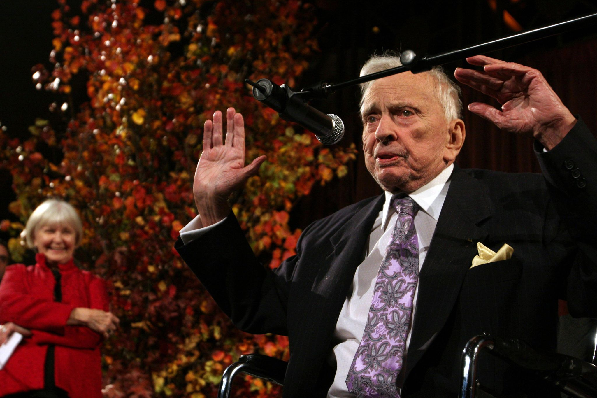 Gore Vidal book becomes best-seller after Julian Assange arrest