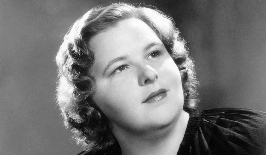 """American singer Kate Smith, who sang a rendition of Irving Berlin's """"God Bless America,"""" in an undated photo. (AP Photo)"""
