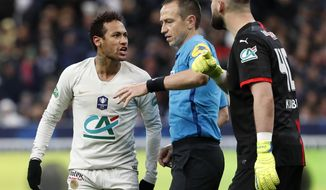 PSG's Neymar, left, argues with Rennes' goalkeeper Tomas Koubek, right, during the French Cup soccer final between Rennes and Paris Saint Germain at the Stade de France stadium in Saint-Denis, outside Paris, France, Saturday, April 27, 2019. (AP Photo/Thibault Camus)
