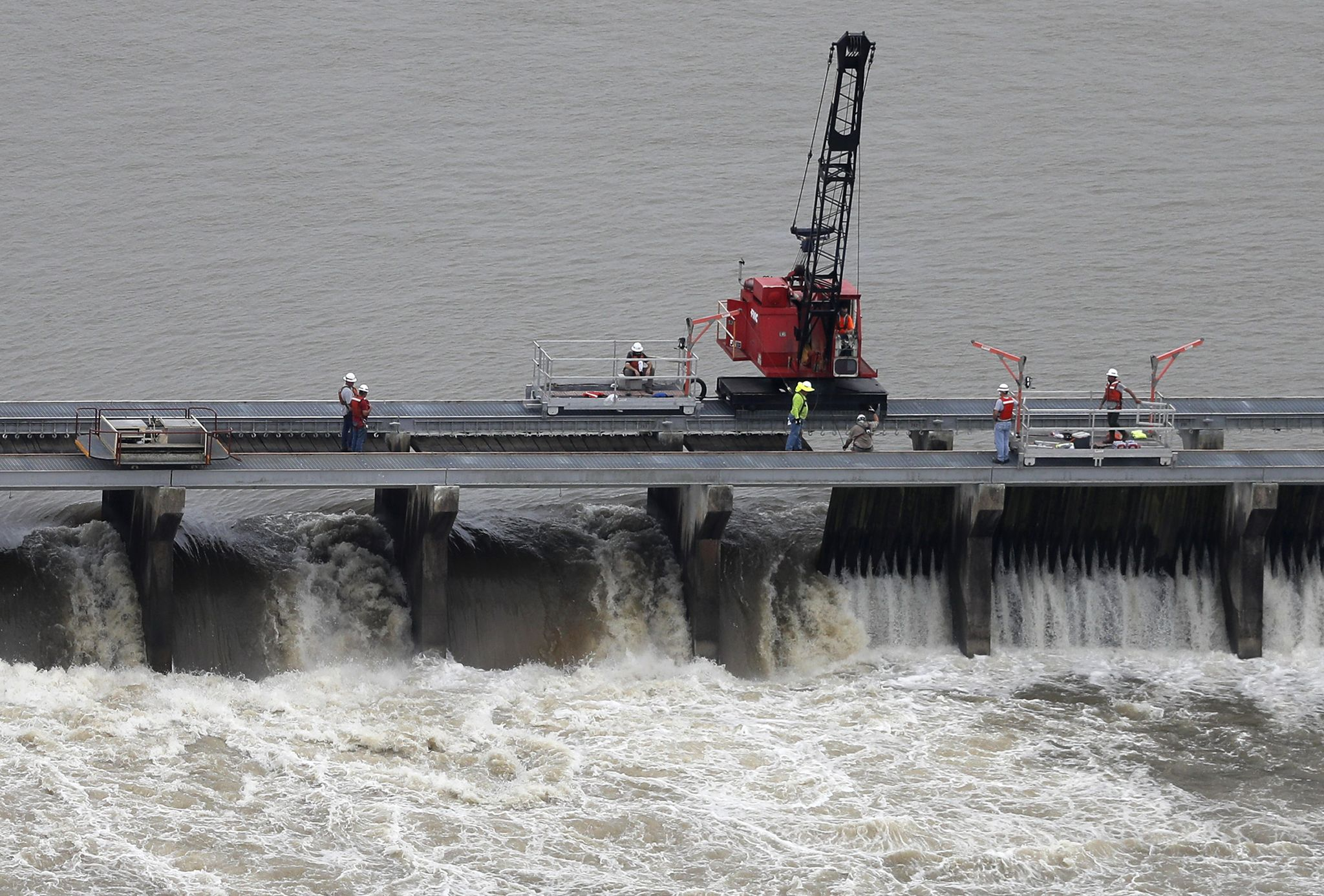 Lake Pontchartrain's fresh water surge changes ecology