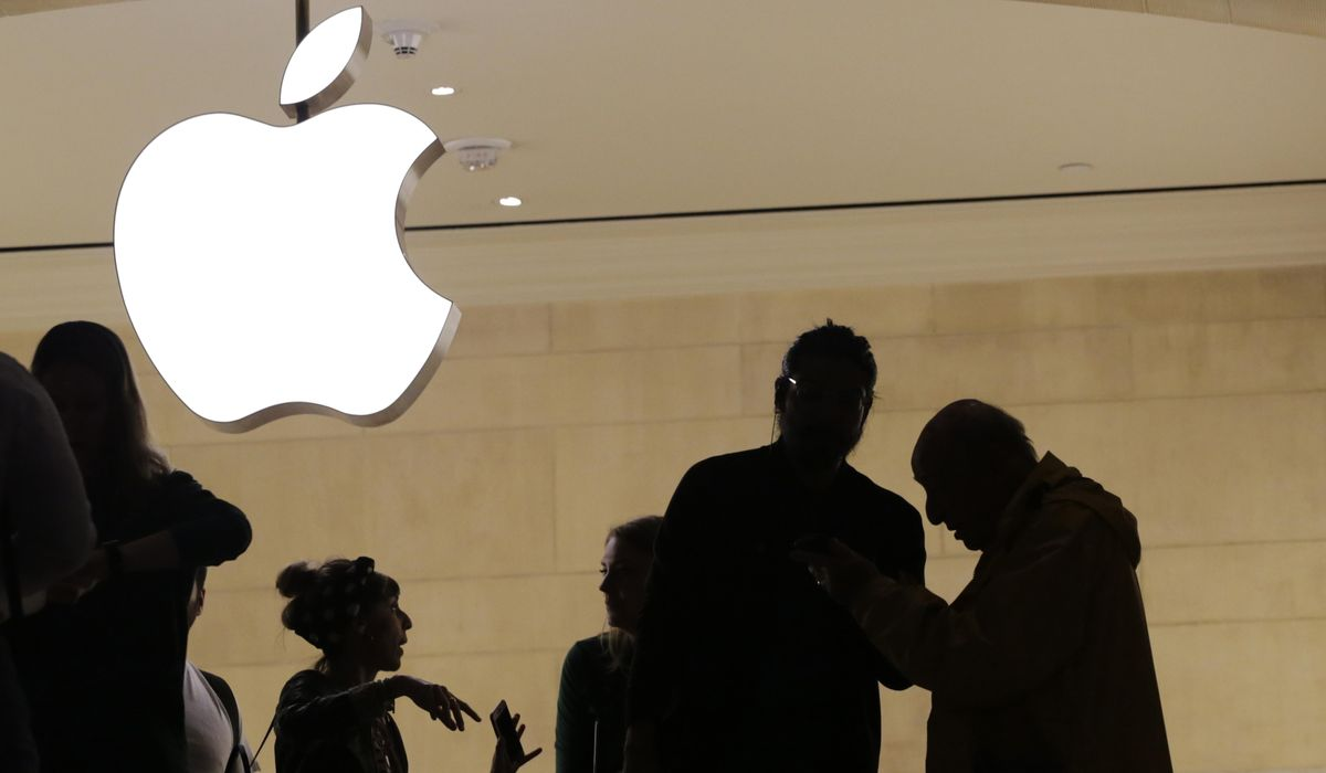 Apple scolded by Ukrainian official after heeding Russian request over annexed Crimea