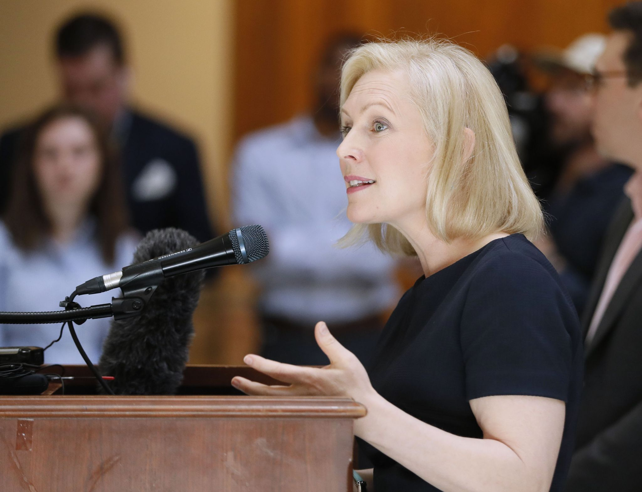 photo image Kirsten Gillibrand won't detain migrants: 'They can go into the community'