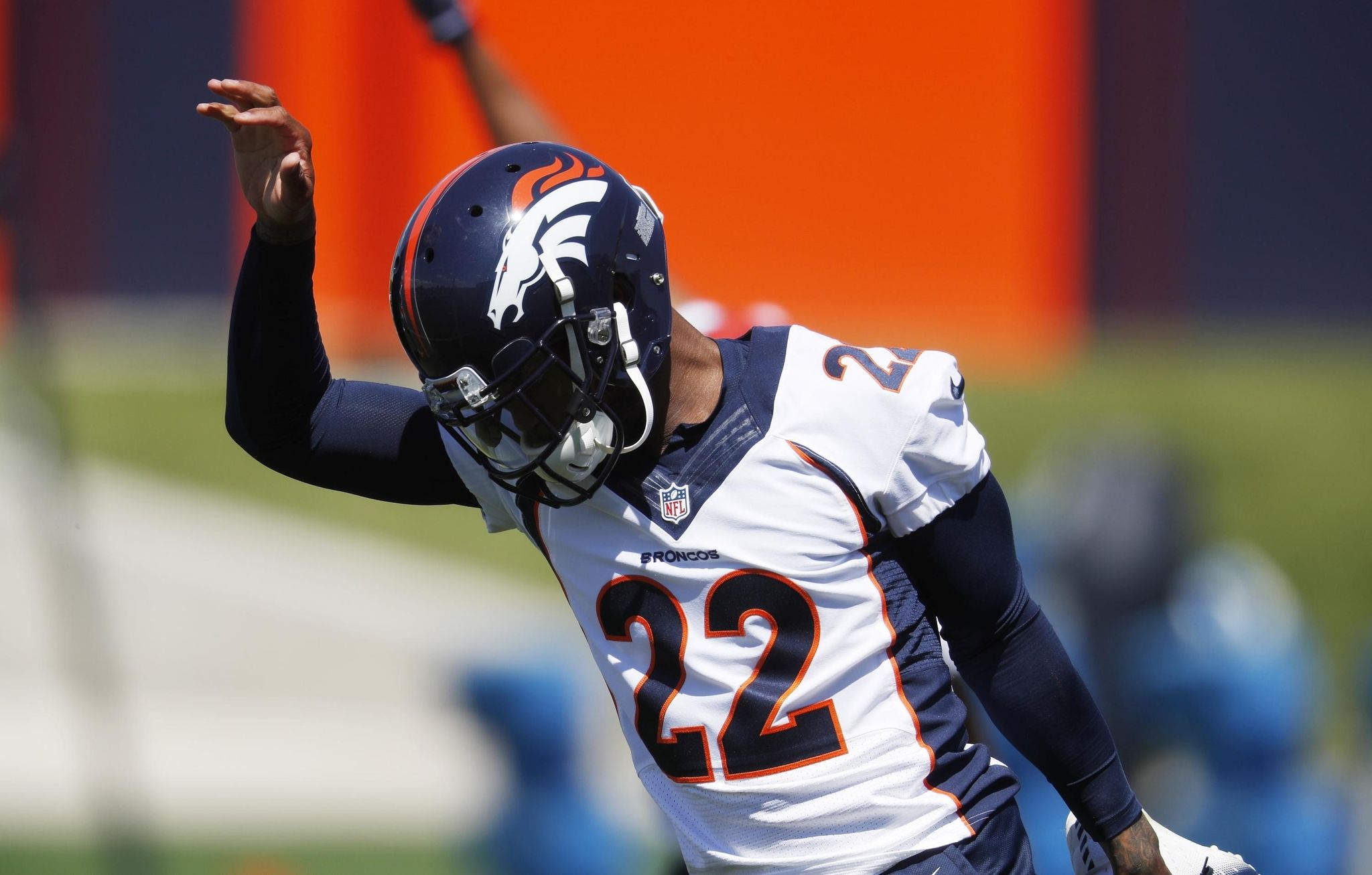 Broncos_camp_football_09410_s2048x1307