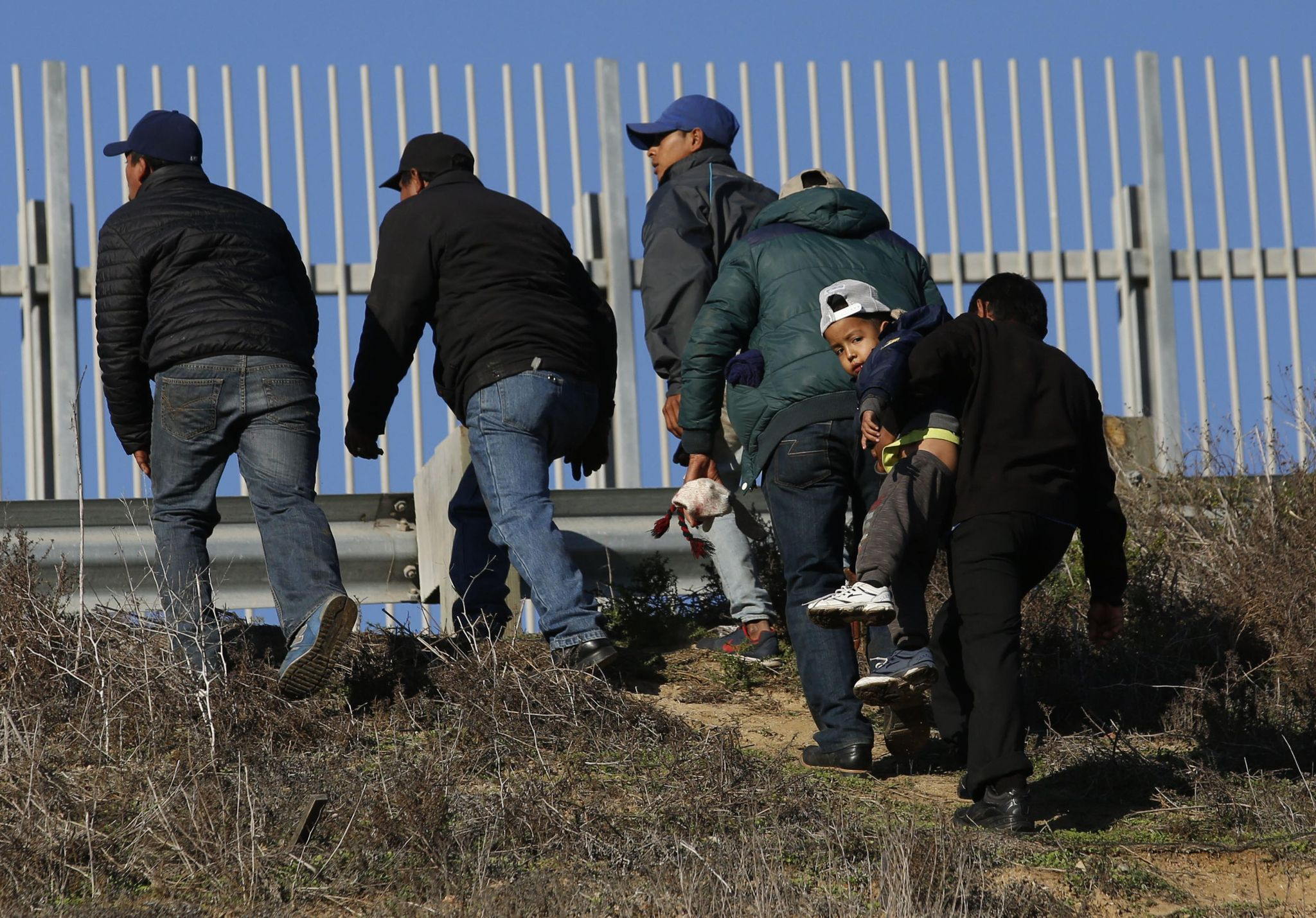 Homeland Security won't ship illegal immigrants across the nation