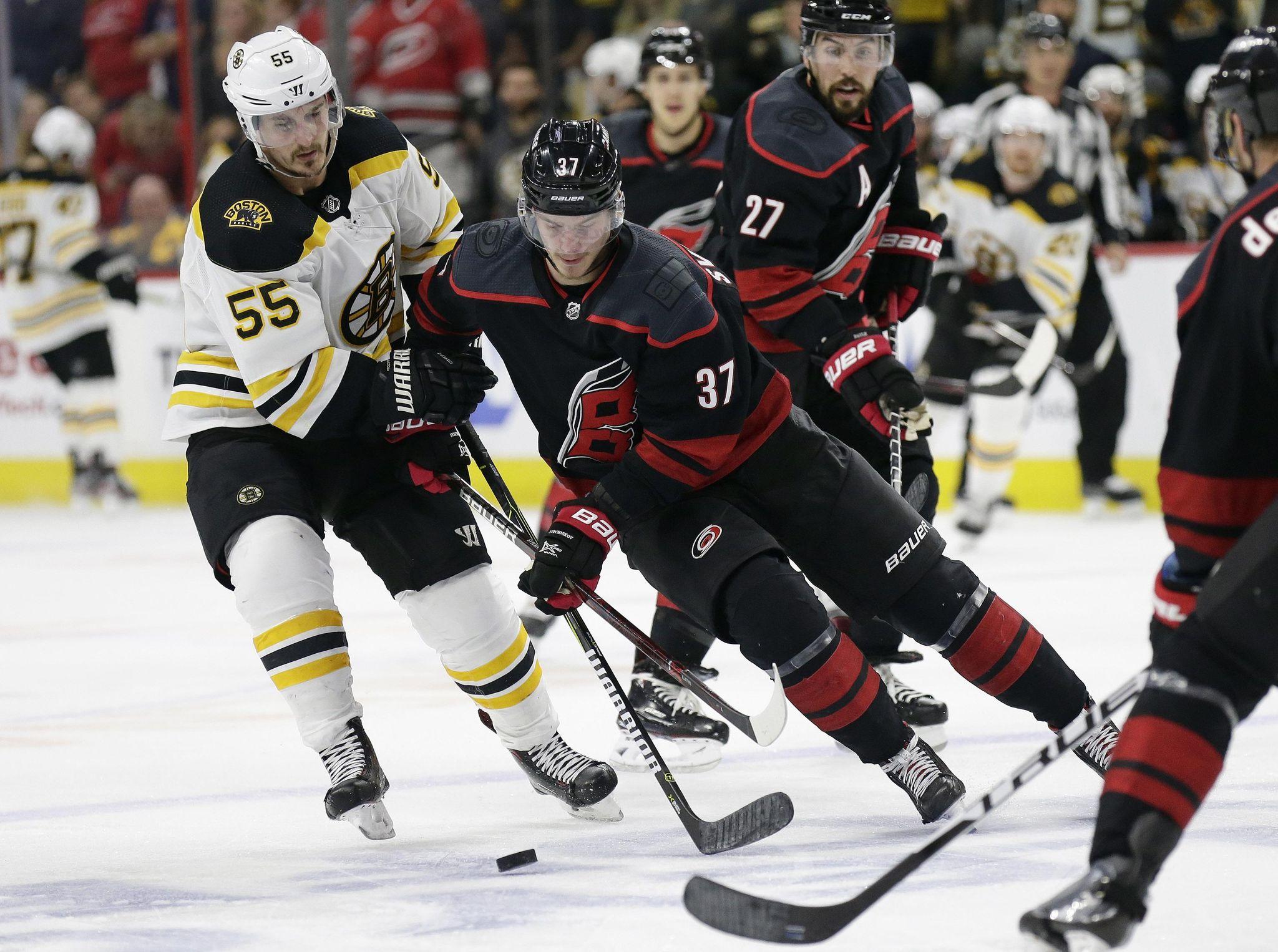 Bruins_hurricanes_hockey_55213_s2048x1526