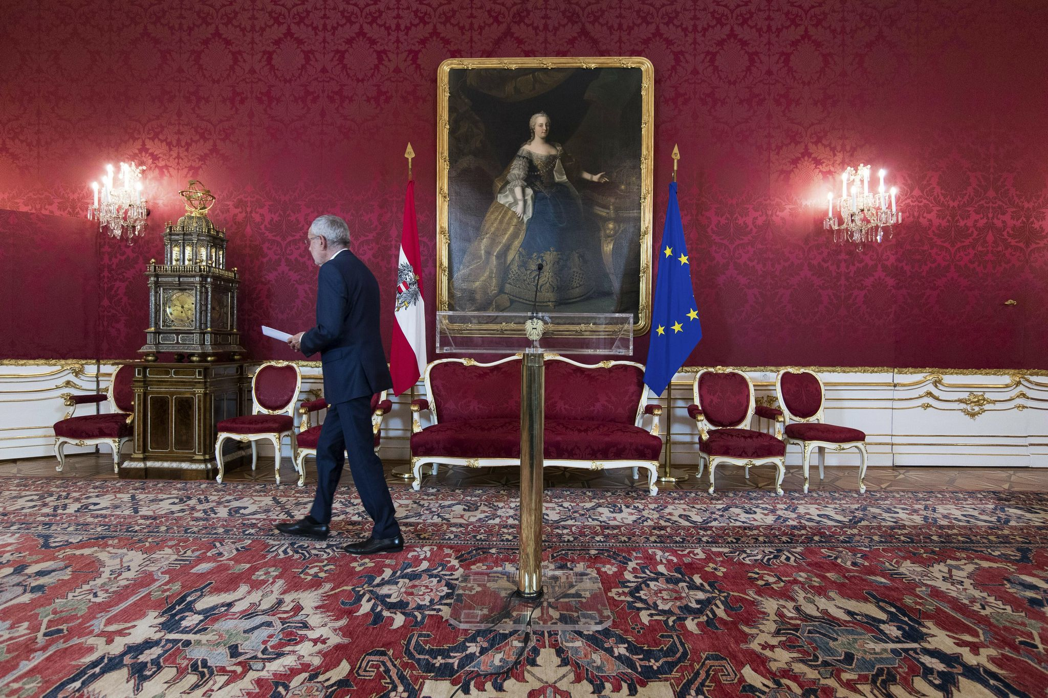 photo image Austria: Interim ministers sworn in after video scandal