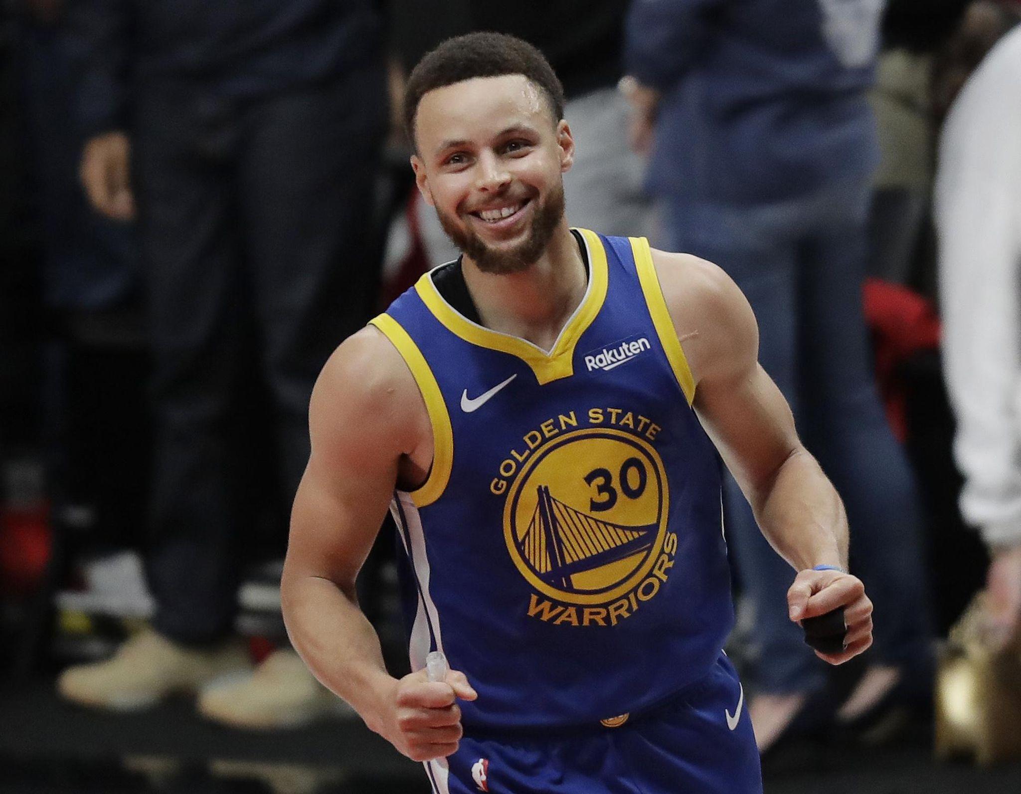 Warriors open as big favorites over the Raptors