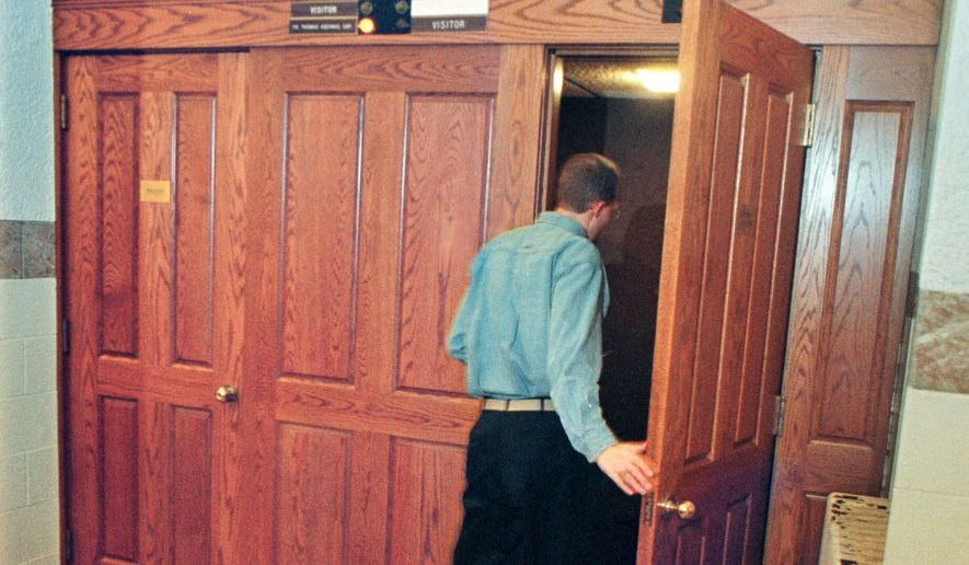 "Religious liberty advocates say that the California legislation would invade a sacred space and direct priests to violate the ""seal of confession."" (Associated Press)"