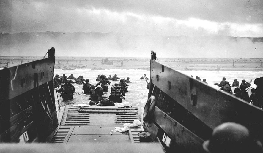 U.S. forces storm the beaches of Normandy, France, on June 6, 1944. (source: Pixabay)