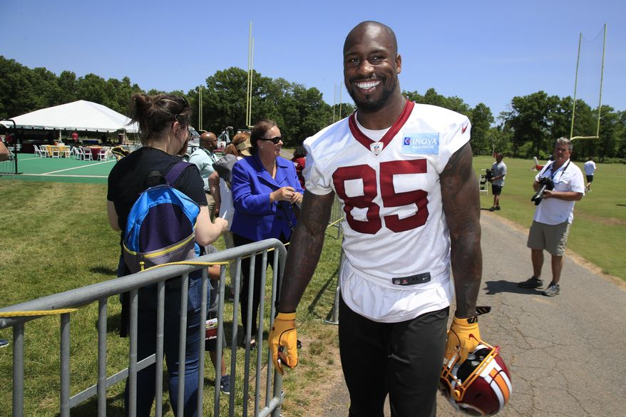 Washington Redskins tight end Vernon Davis (85) leaves the field following an NFL football minicamp at Redskins Park in Ashburn, Va., Tuesday, June 4, 2019. (AP Photo/Manuel Balce Ceneta)