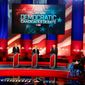 With 24 presidential hopefuls, the 2020 Democratic voters might need NCAA-style eliminations brackets. Here, the 2016 candidates face off in a debate just prior to the Iowa caucuses. (Associated Press)