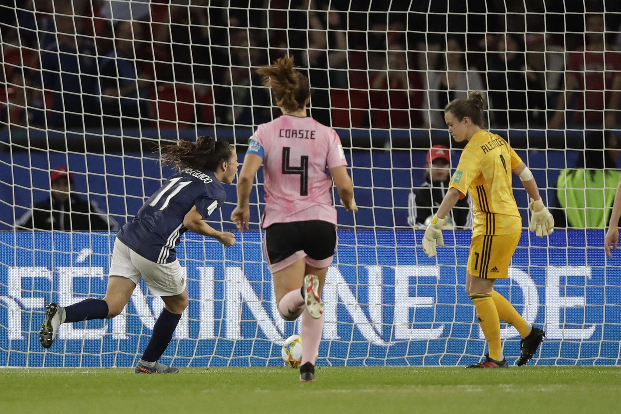 France_scotland_argentina_wwcup_soccer_78204_s2048x1366